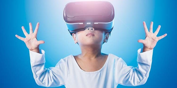 https://lightmynd.com/wp-content/uploads/2020/06/hands-open-girl-wearing-VR.jpg