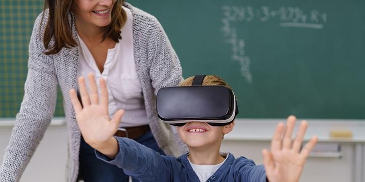 https://lightmynd.com/wp-content/uploads/2020/06/kid-in-VR.jpg