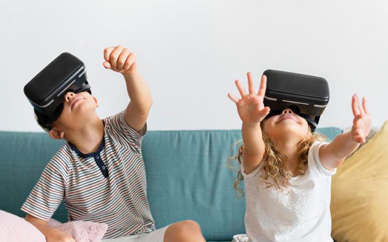 https://lightmynd.com/wp-content/uploads/2020/06/kids-in-VR.jpg
